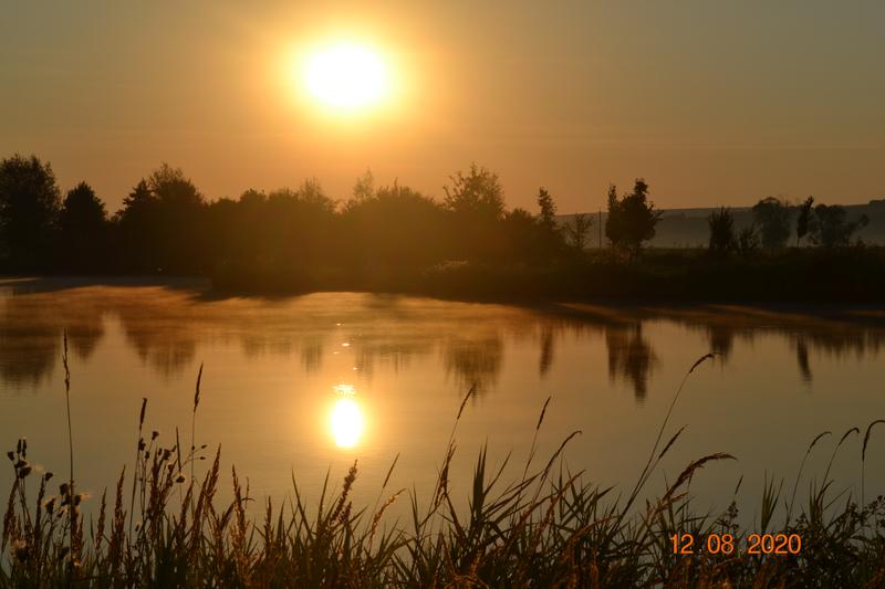 Východ slunce nad Šterkovým jezerem