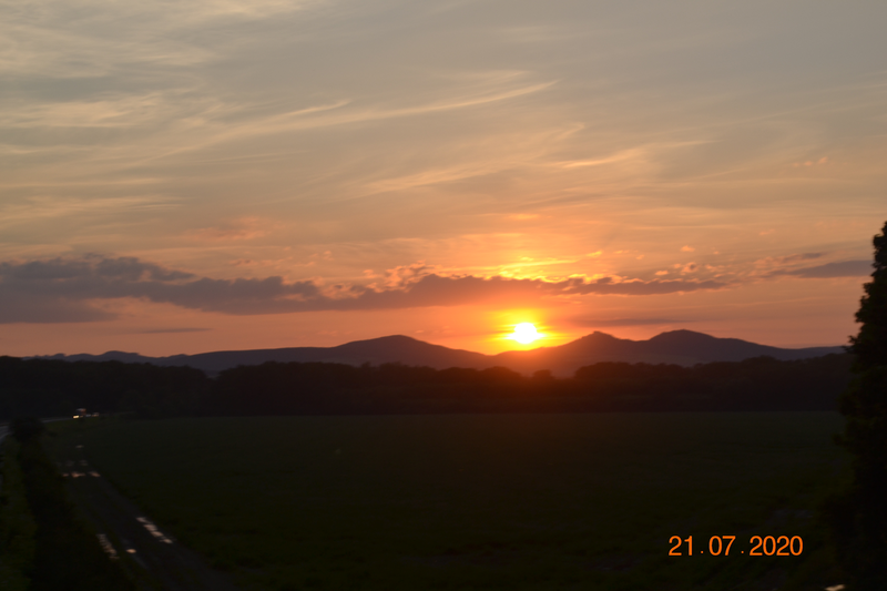 Západ slunce ☀ za panorámou hradu Buchlova