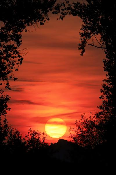 Silueta hradu Buchlov při západu slunce
