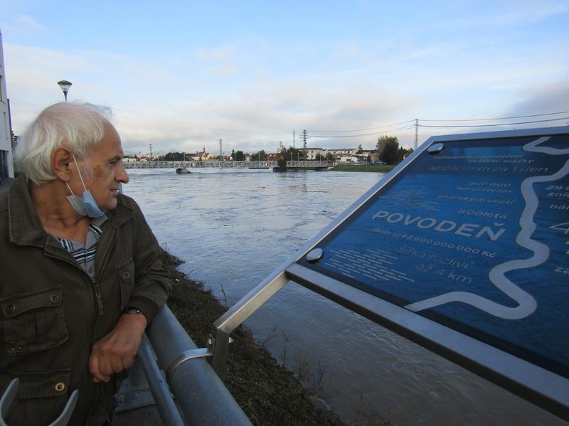 U povodňové desky při zvýšené hladině Moravy která  opět letos zhrozila